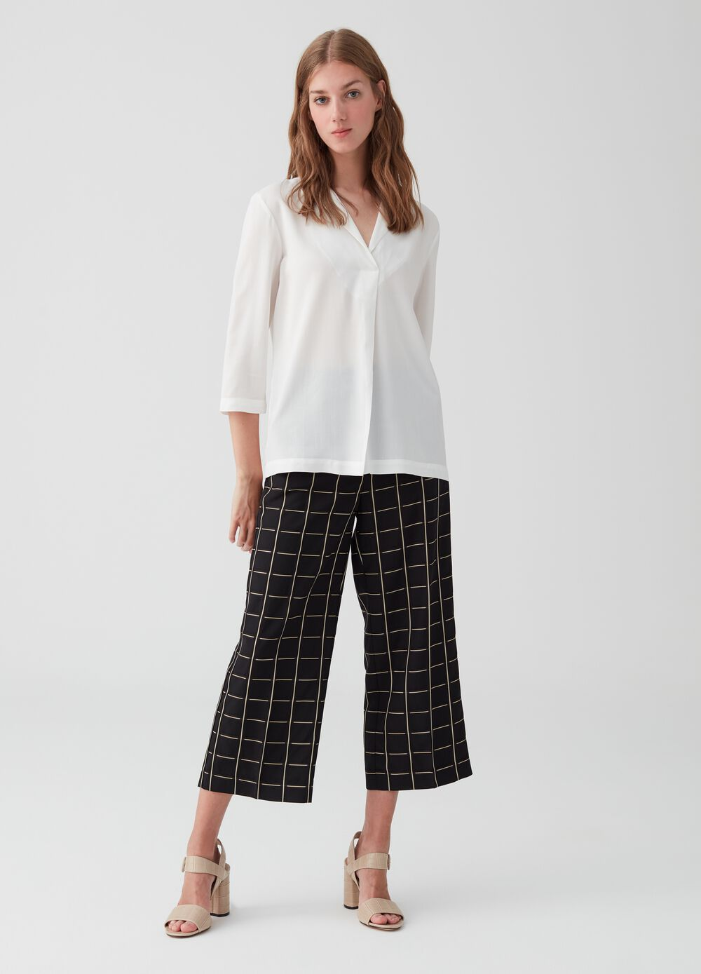 Crop trousers with check pockets