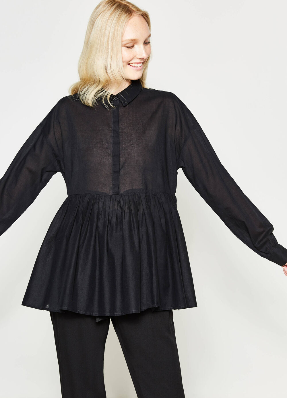 Pleated shirt in 100% cotton