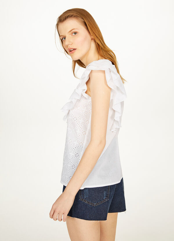 Sleeveless blouse with lace and flounce