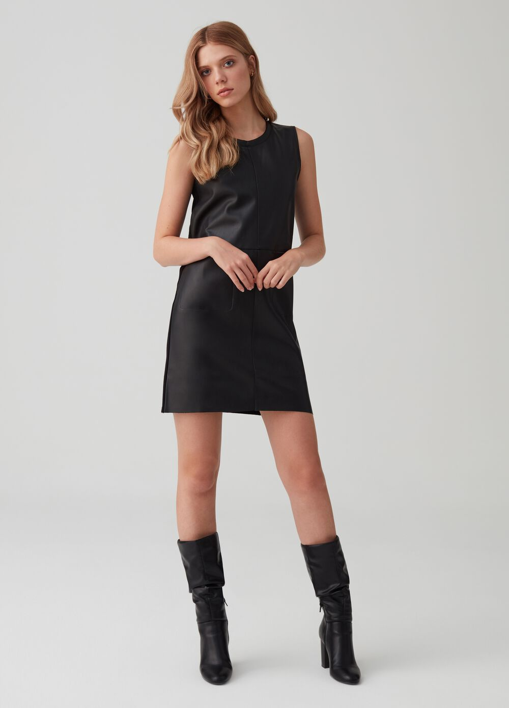 Short sleeveless leather-look dress