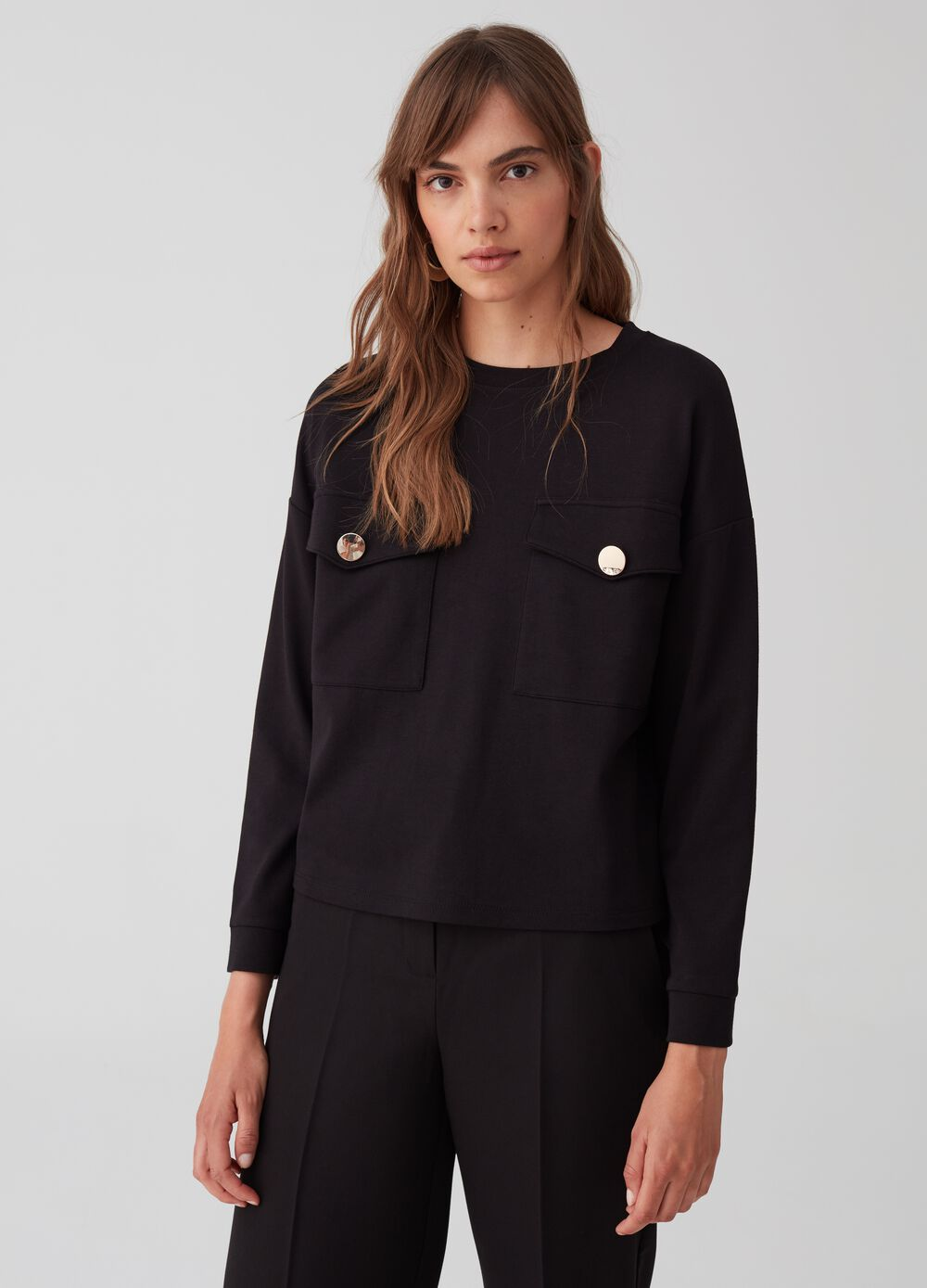 T-shirt with long sleeves and pockets
