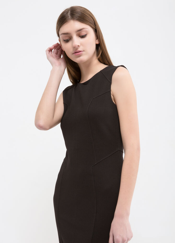 Solid colour sleeveless stretch dress