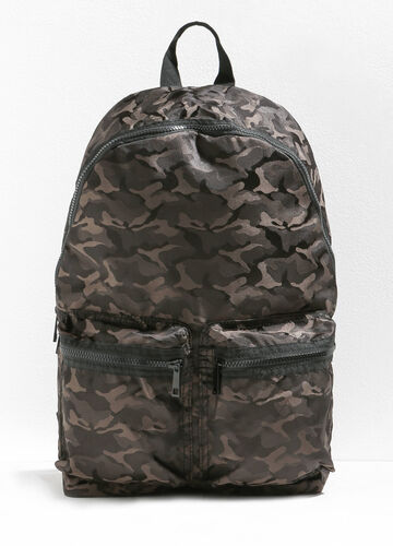 Camouflage backpack with zip