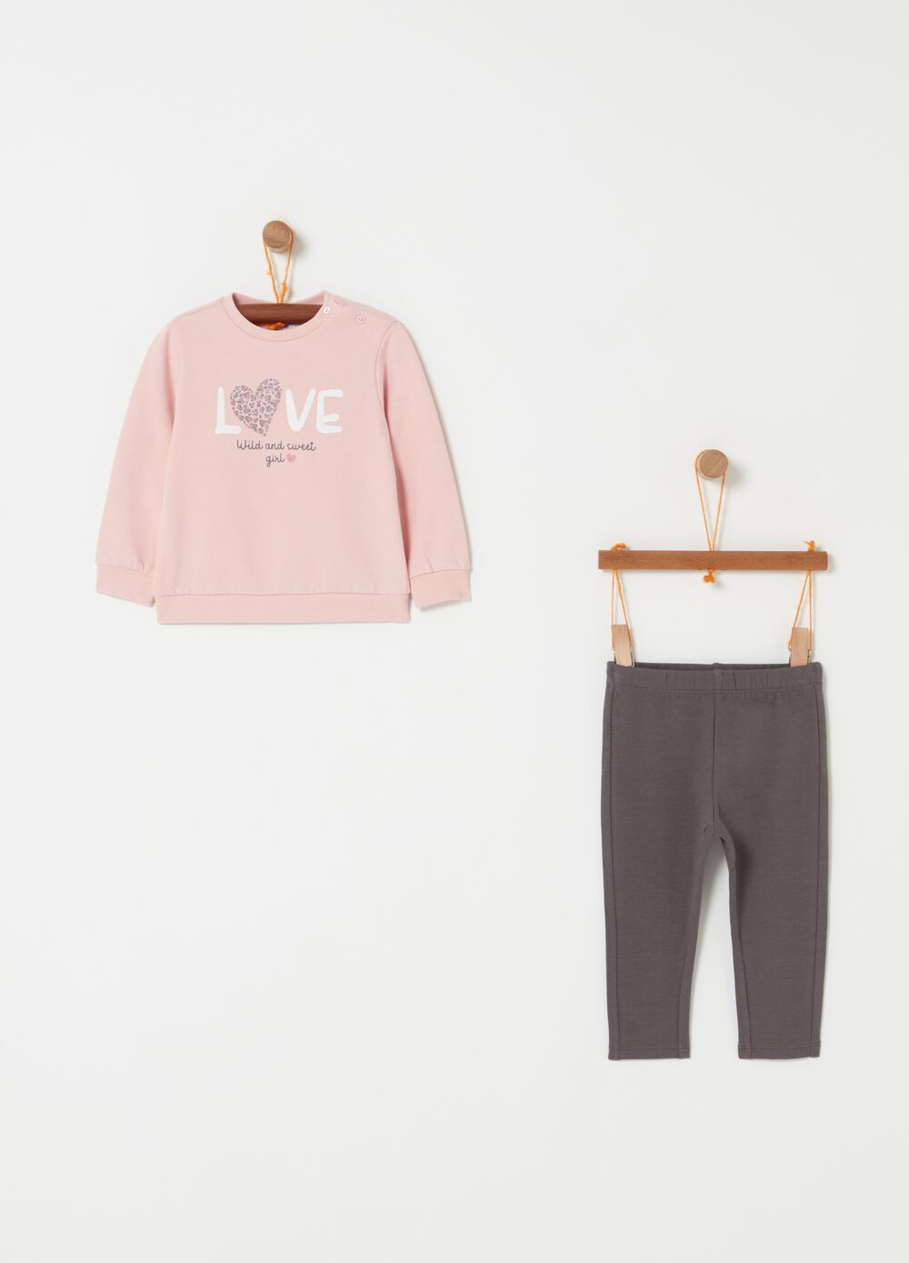 Solid colour sweatshirt and trousers jogging set