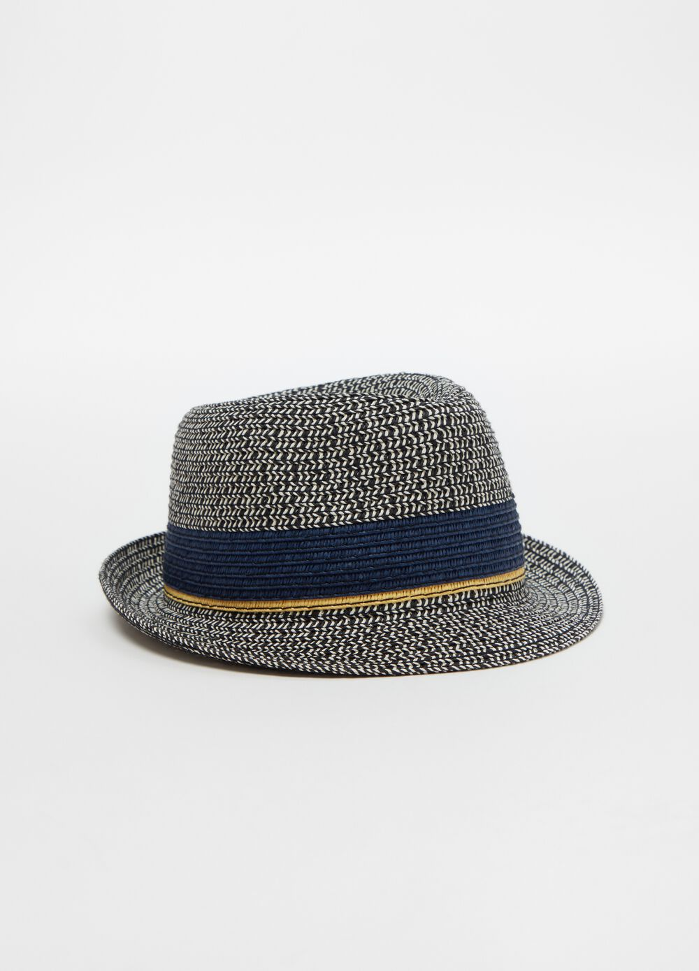 Straw hat with insert