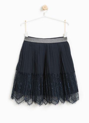 Pleated skirt with lace and glitter