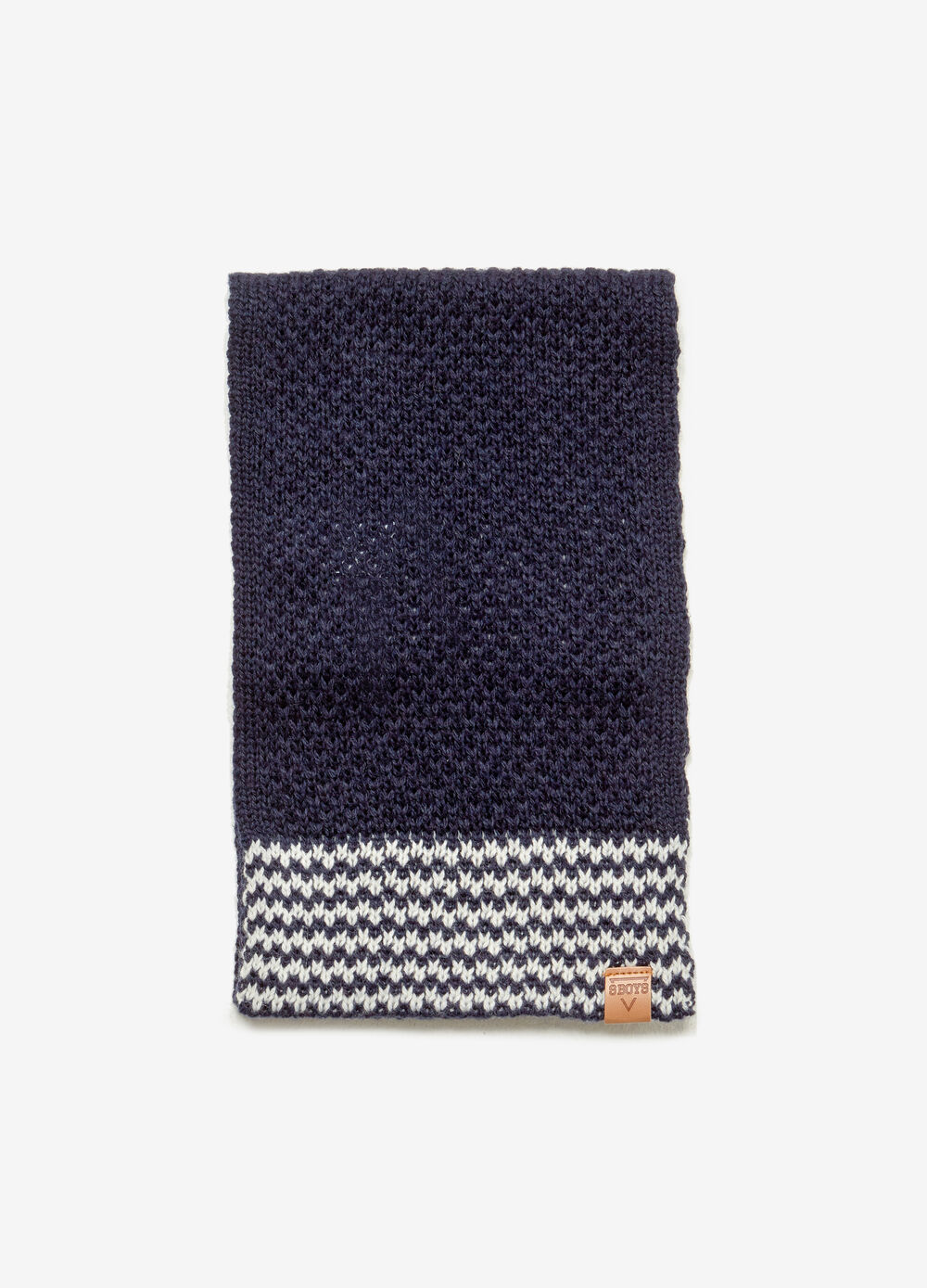 Wool blend scarf with patterned insert