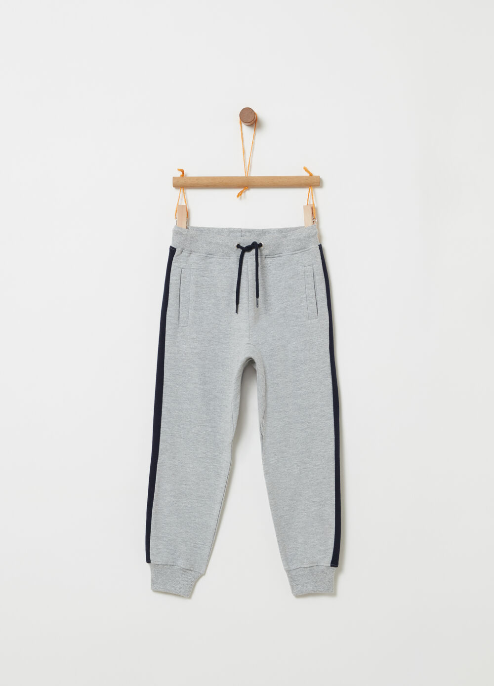Fleece trousers with pockets with zip