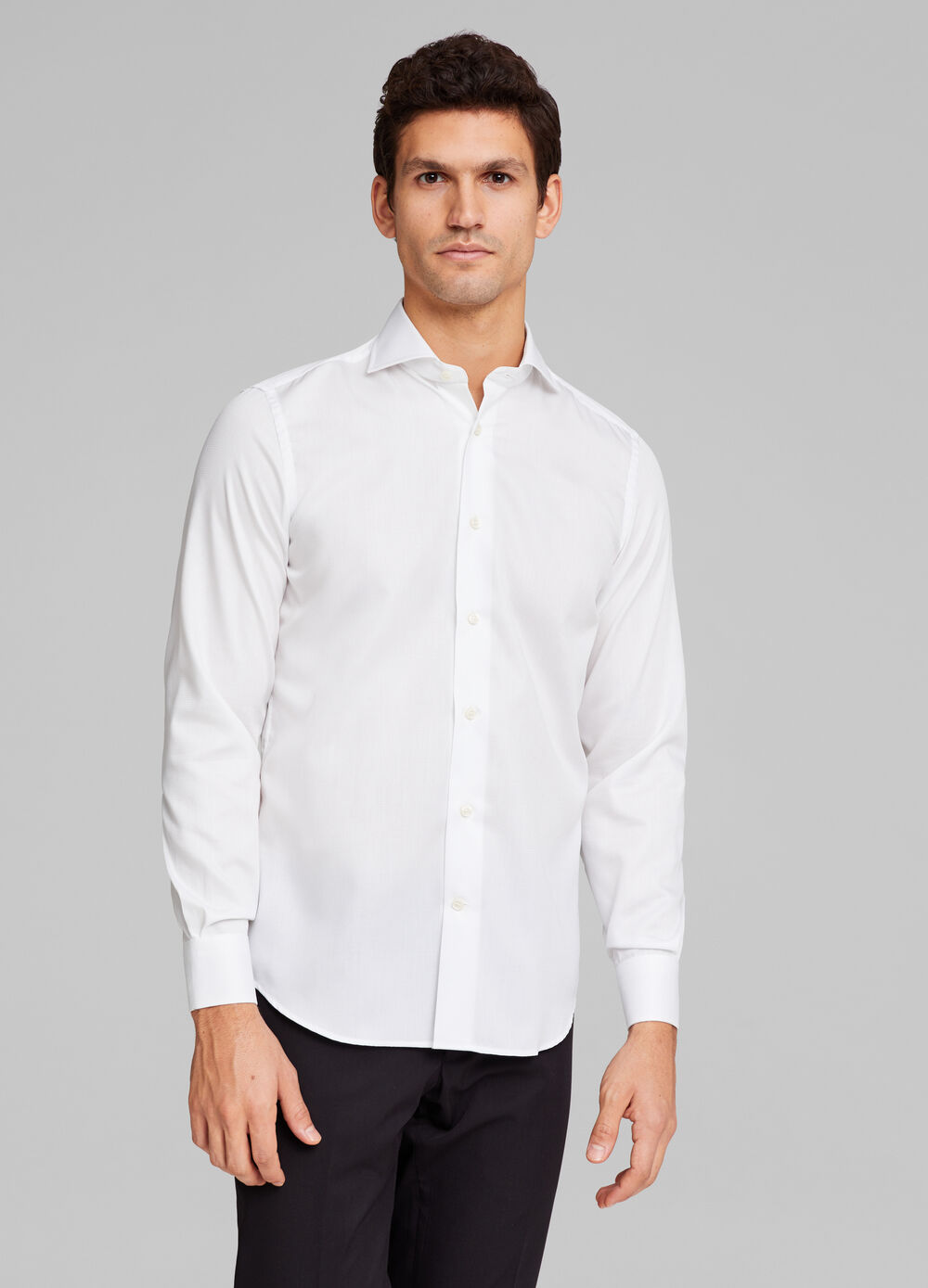 Slim-fit solid colour shirt in 100% cotton