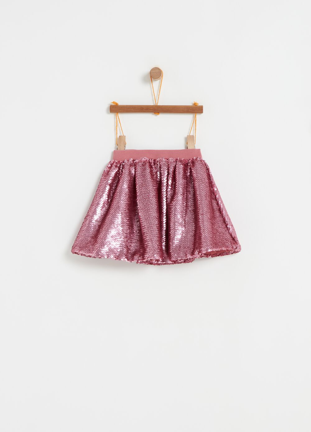 High-waisted skirt with all-over sequins