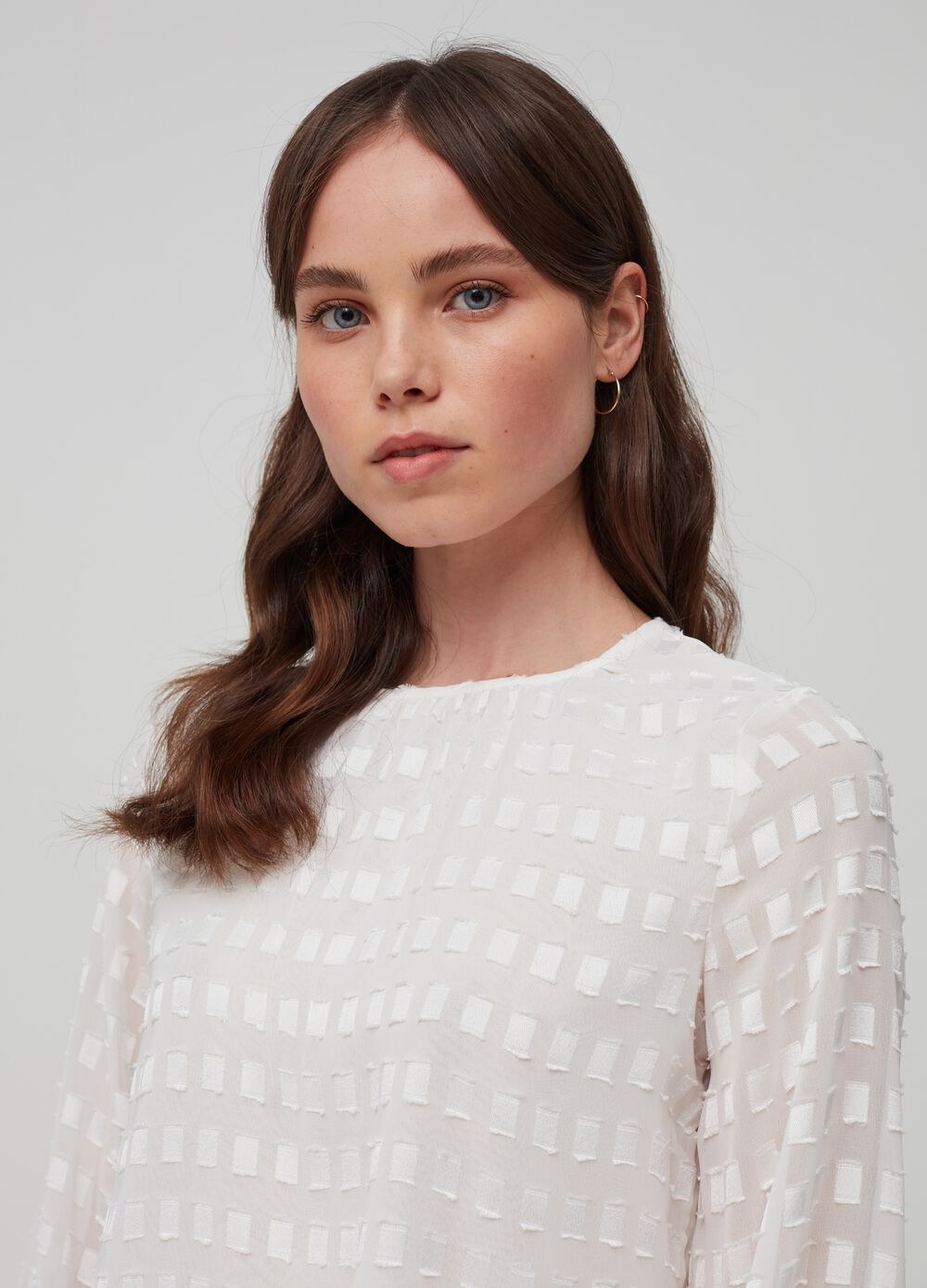 Long-sleeved blouse with pattern
