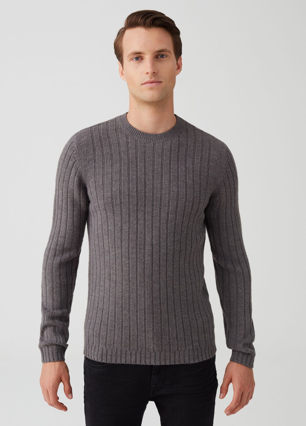 Solid colour pullover with striped weave