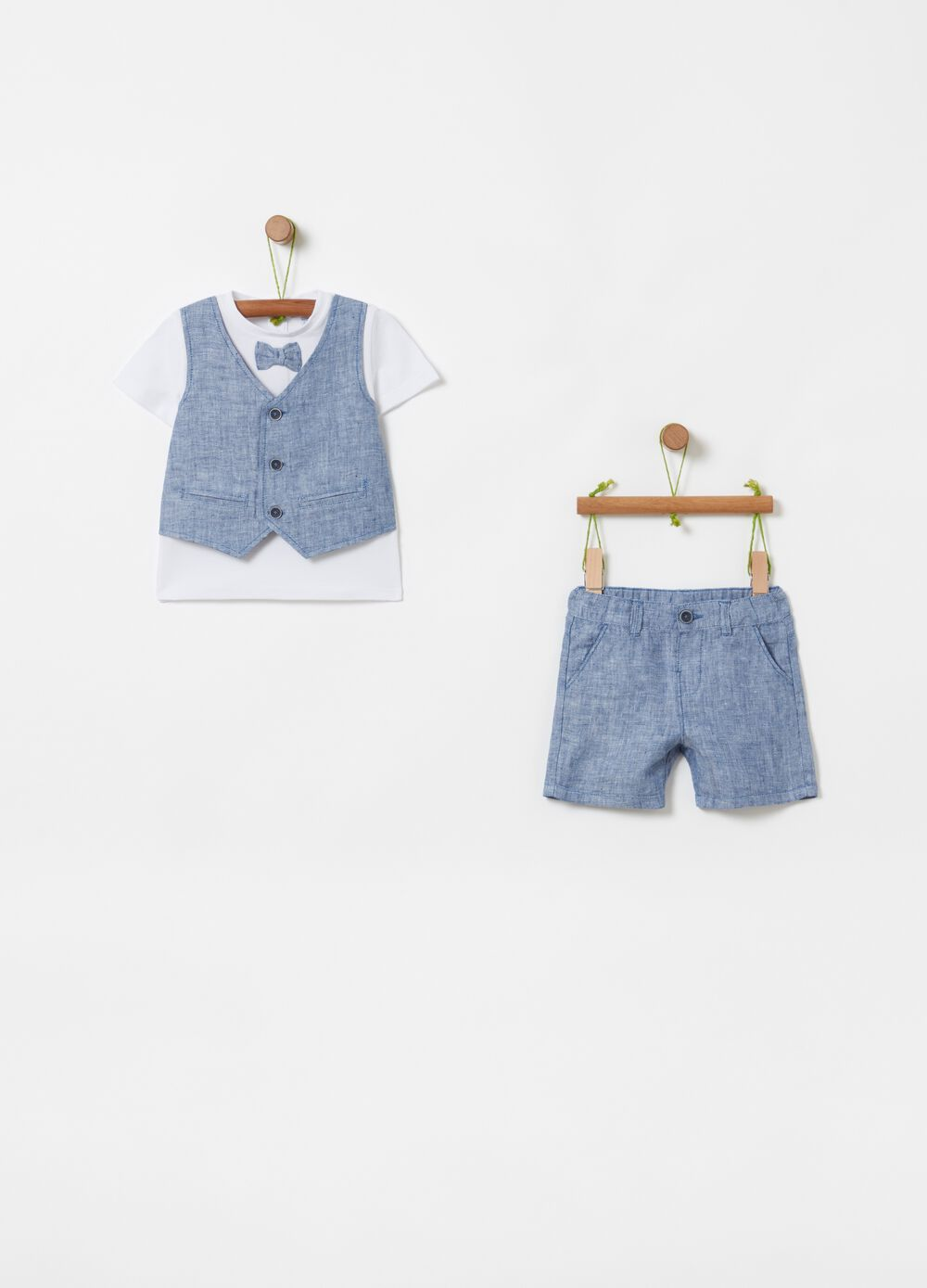 T-shirt with gilet and shorts set