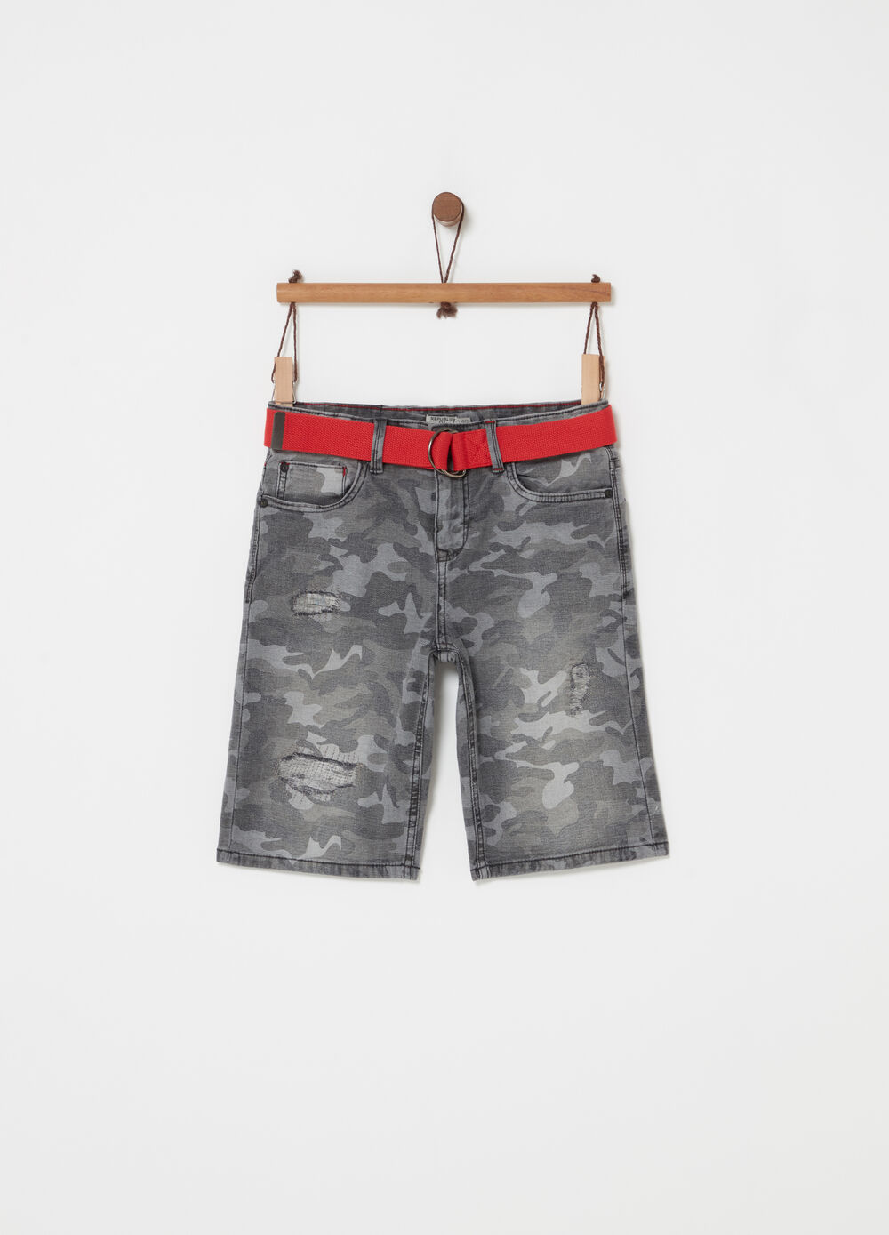 Denim shorts with camouflage belt