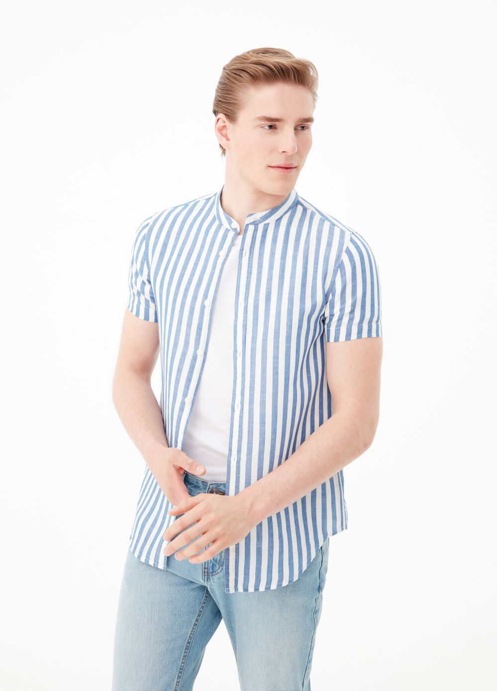 Cotton and linen striped slim-fit shirt