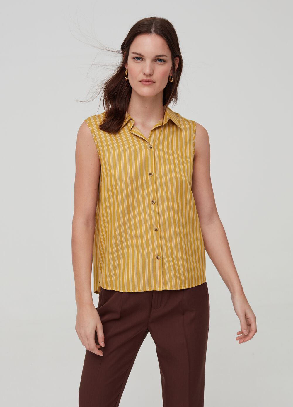 Sleeveless shirt in 100% Lyocell