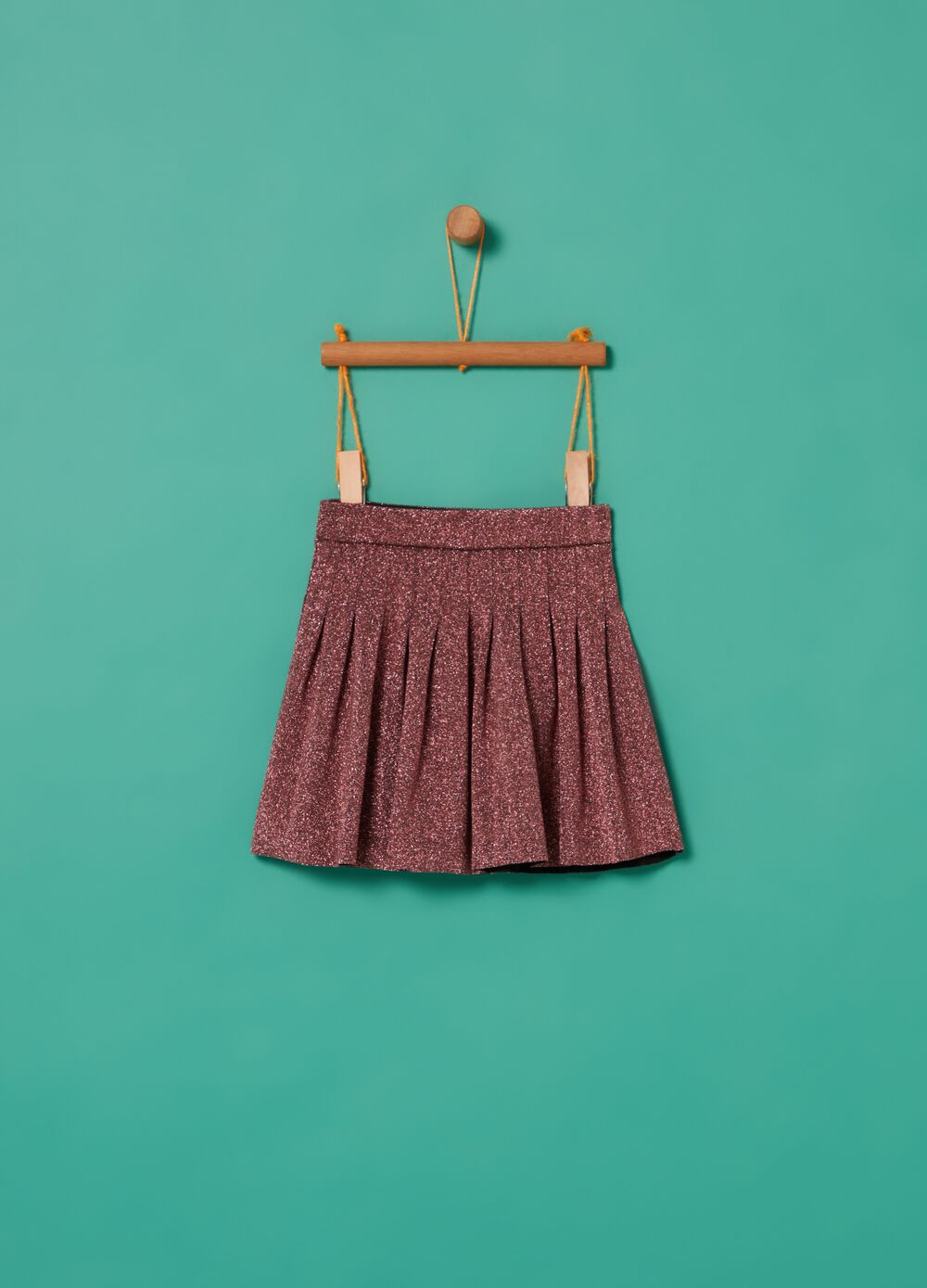 Short pleated skirt with lurex