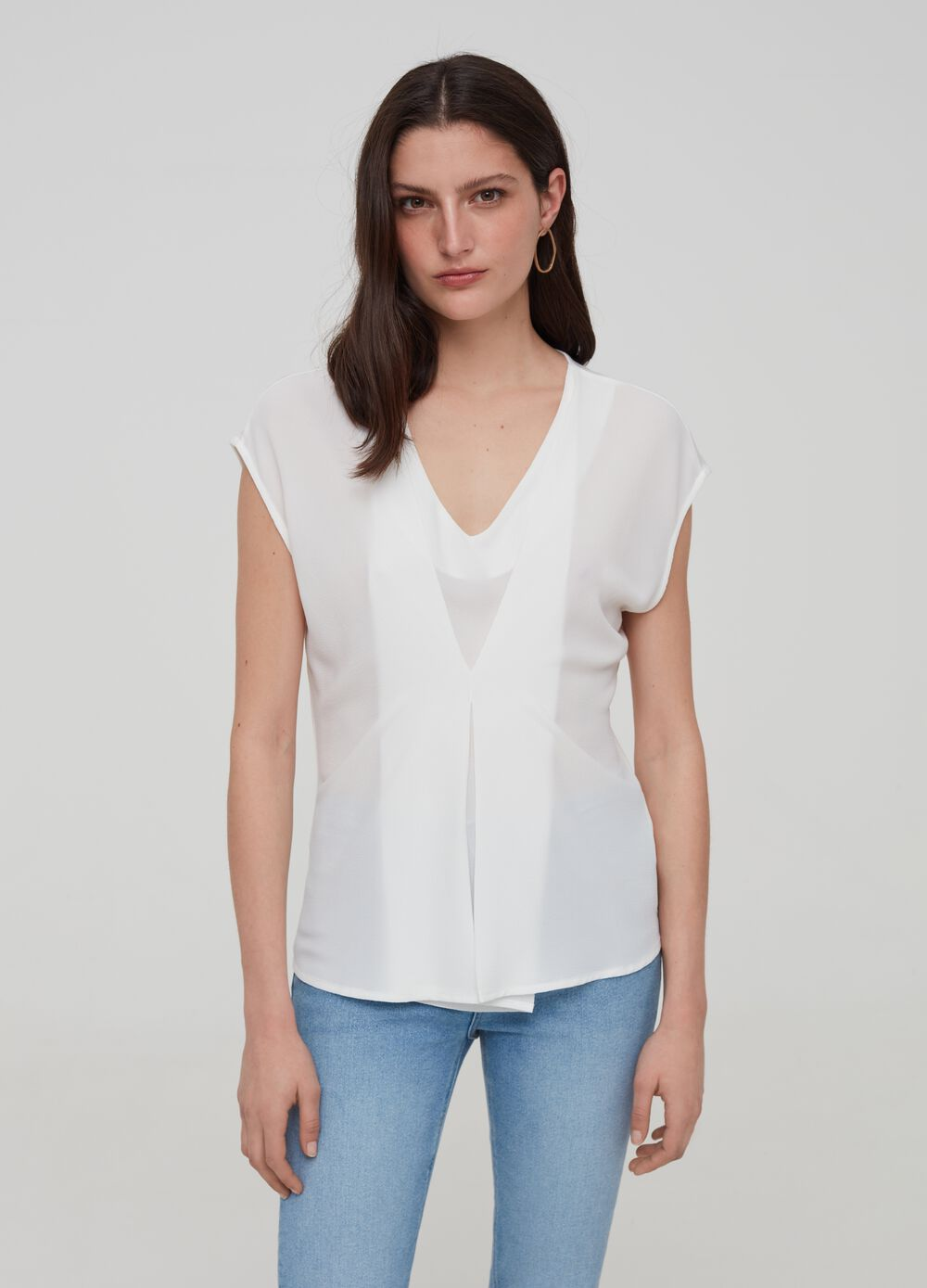 Crêpe T-shirt with V neck