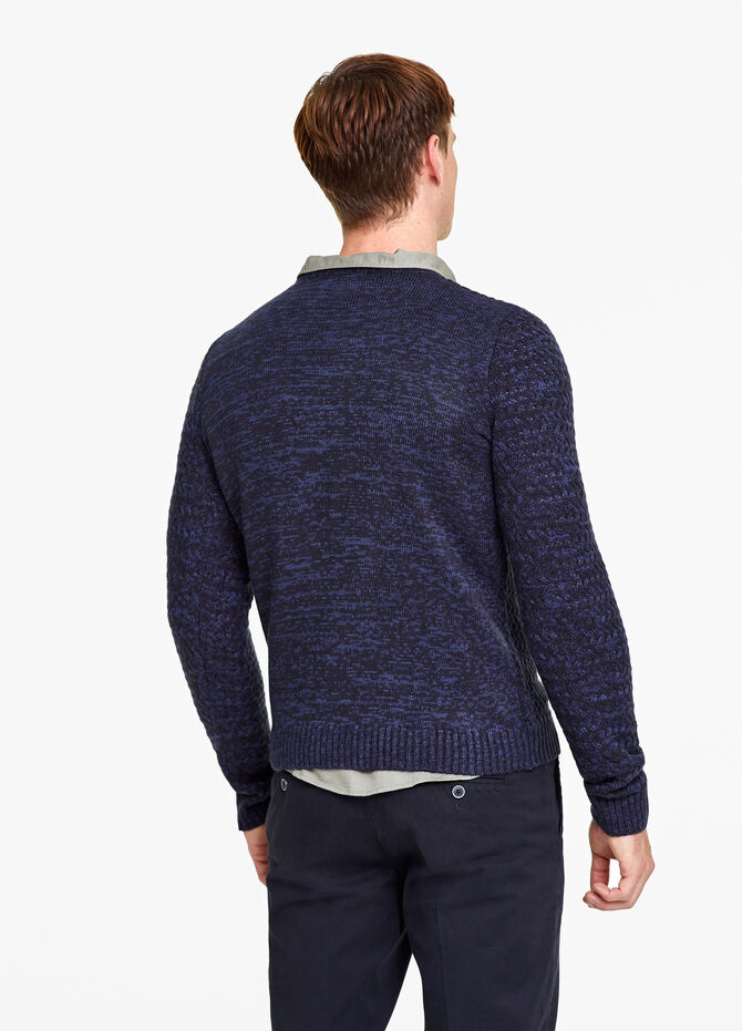 Two-tone knitted pullover