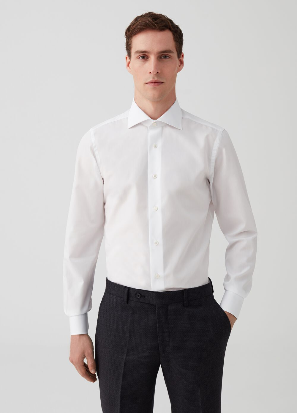 100% cotton shirt with cutaway collar