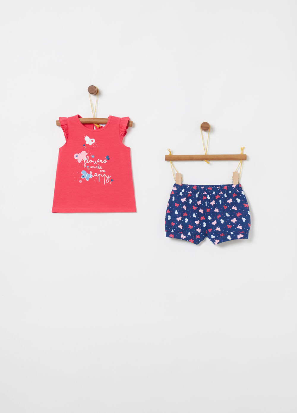 T-shirt and shorts jogging set with butterflies