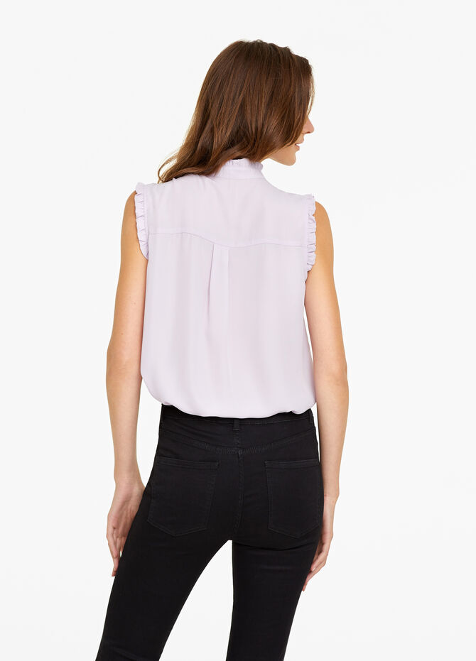 Sleeveless frilled blouse