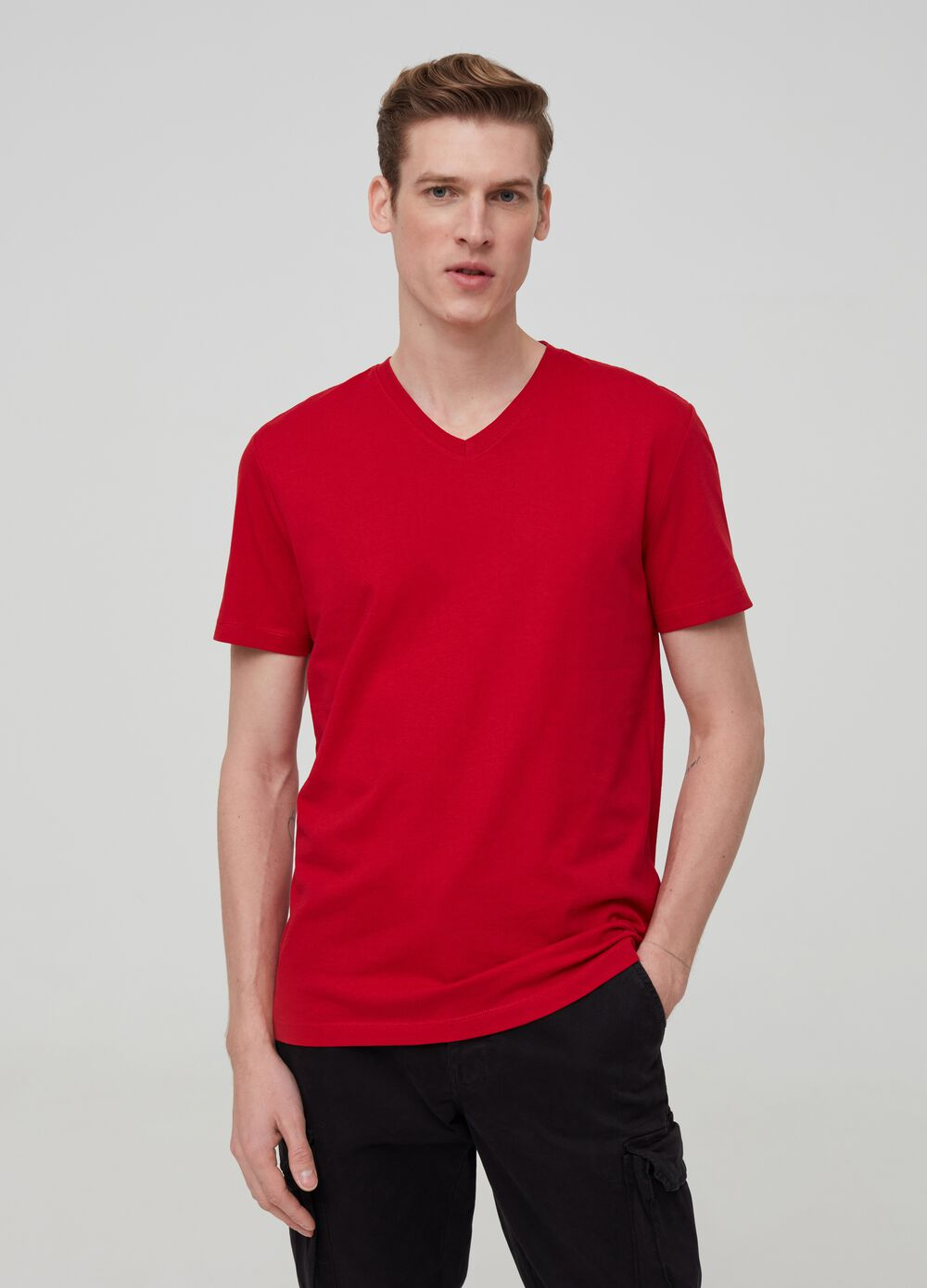 100% organic cotton T-shirt with V neck