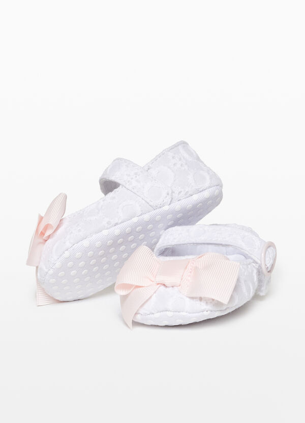 Canvas lace ballerina flats with bow