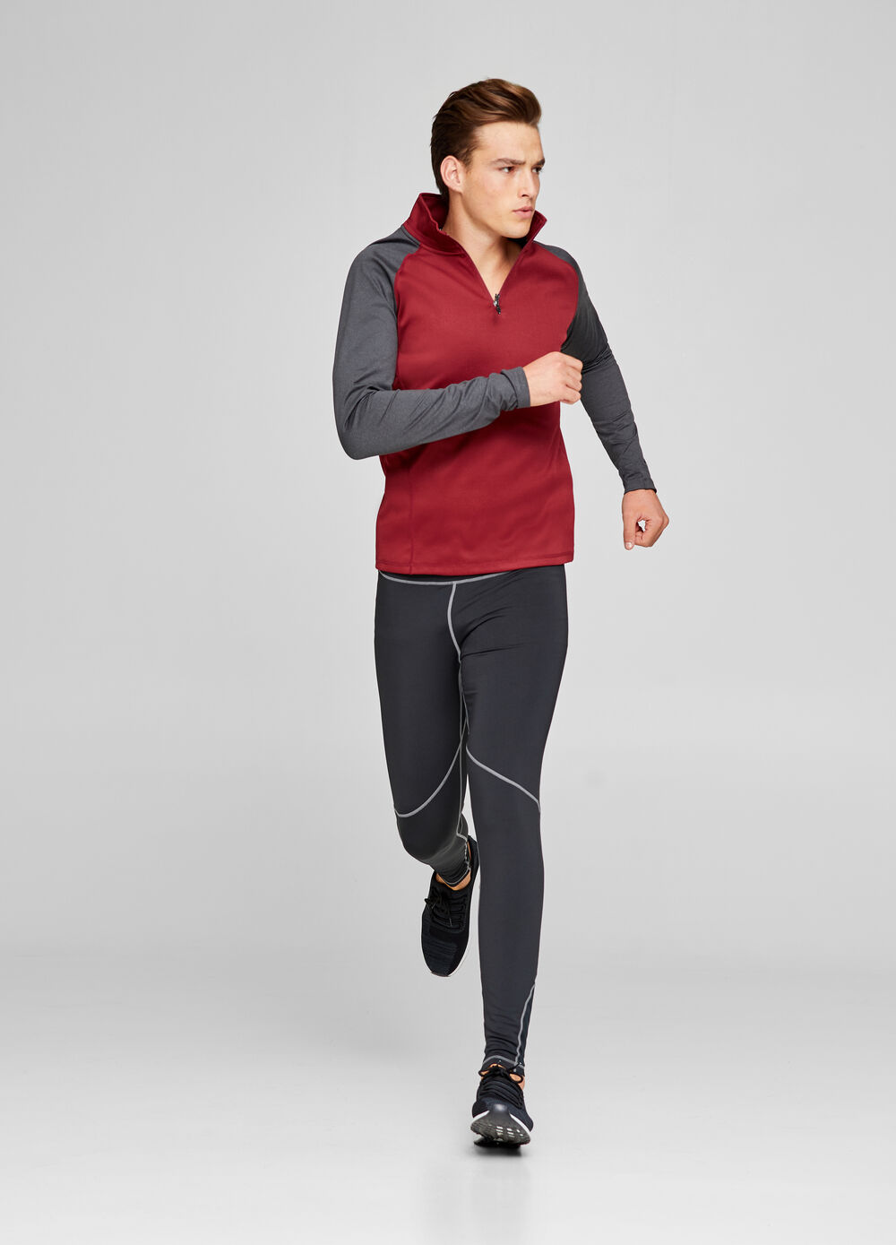 Sports T-shirt with long sleeves