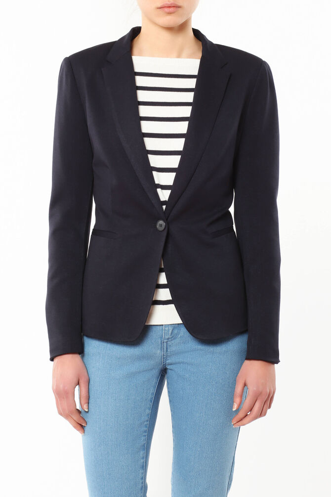Jacket with lapels