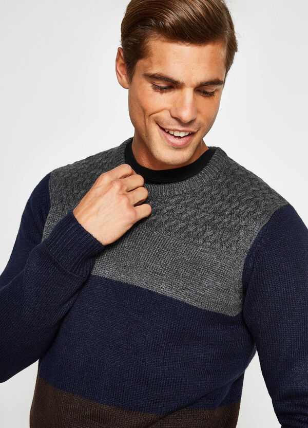 Two-tone pullover with contrasting insert