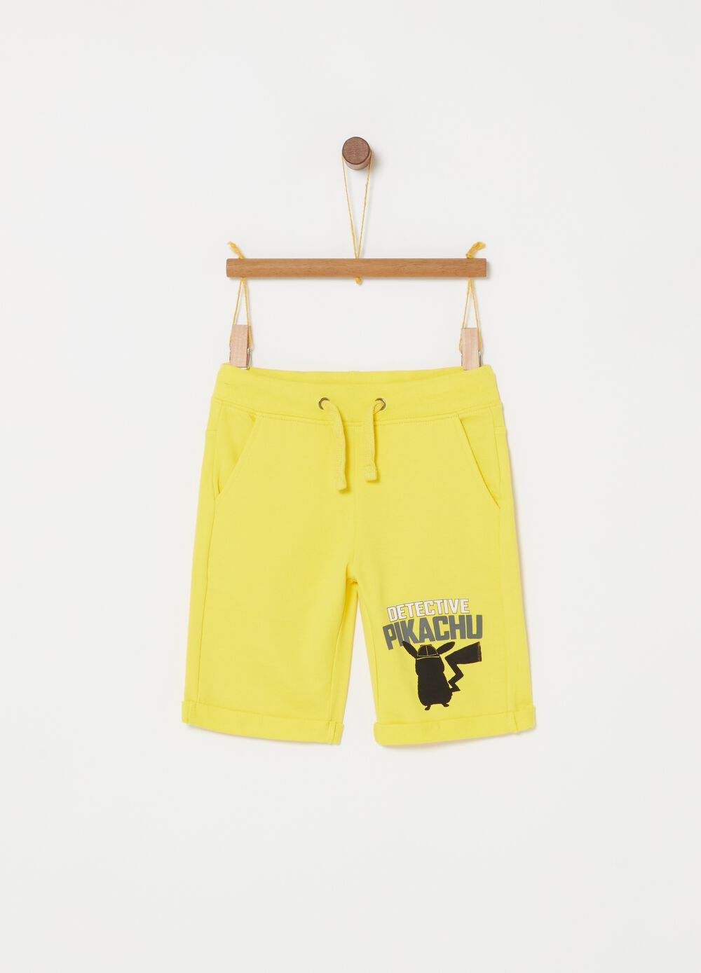 Shorts with Pikachu print and pockets