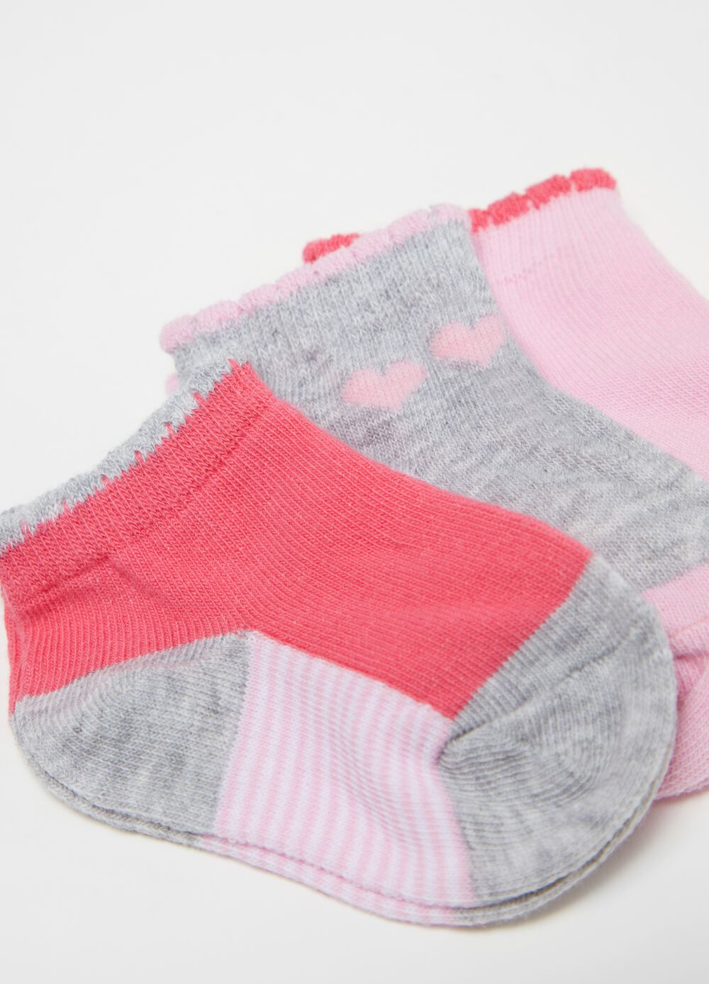 Three-pack short socks with small hearts