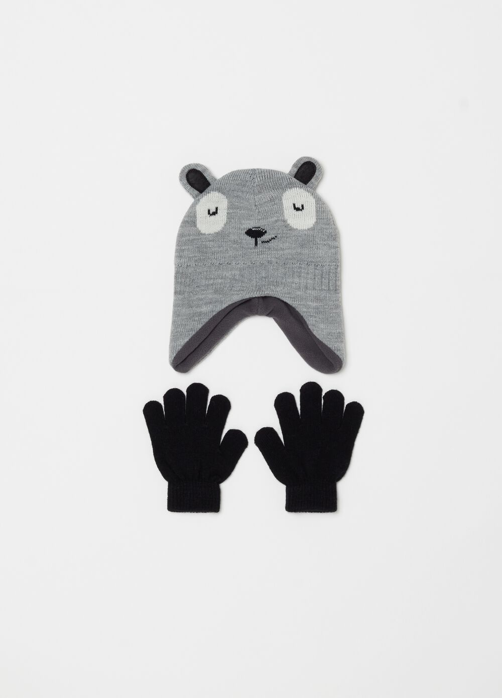 Knitted hat and gloves set