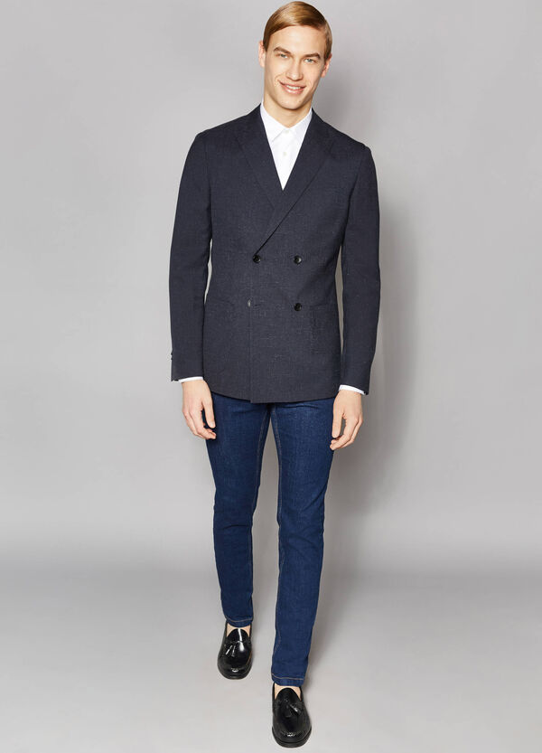 Elegant slim-fit double-breasted jacket