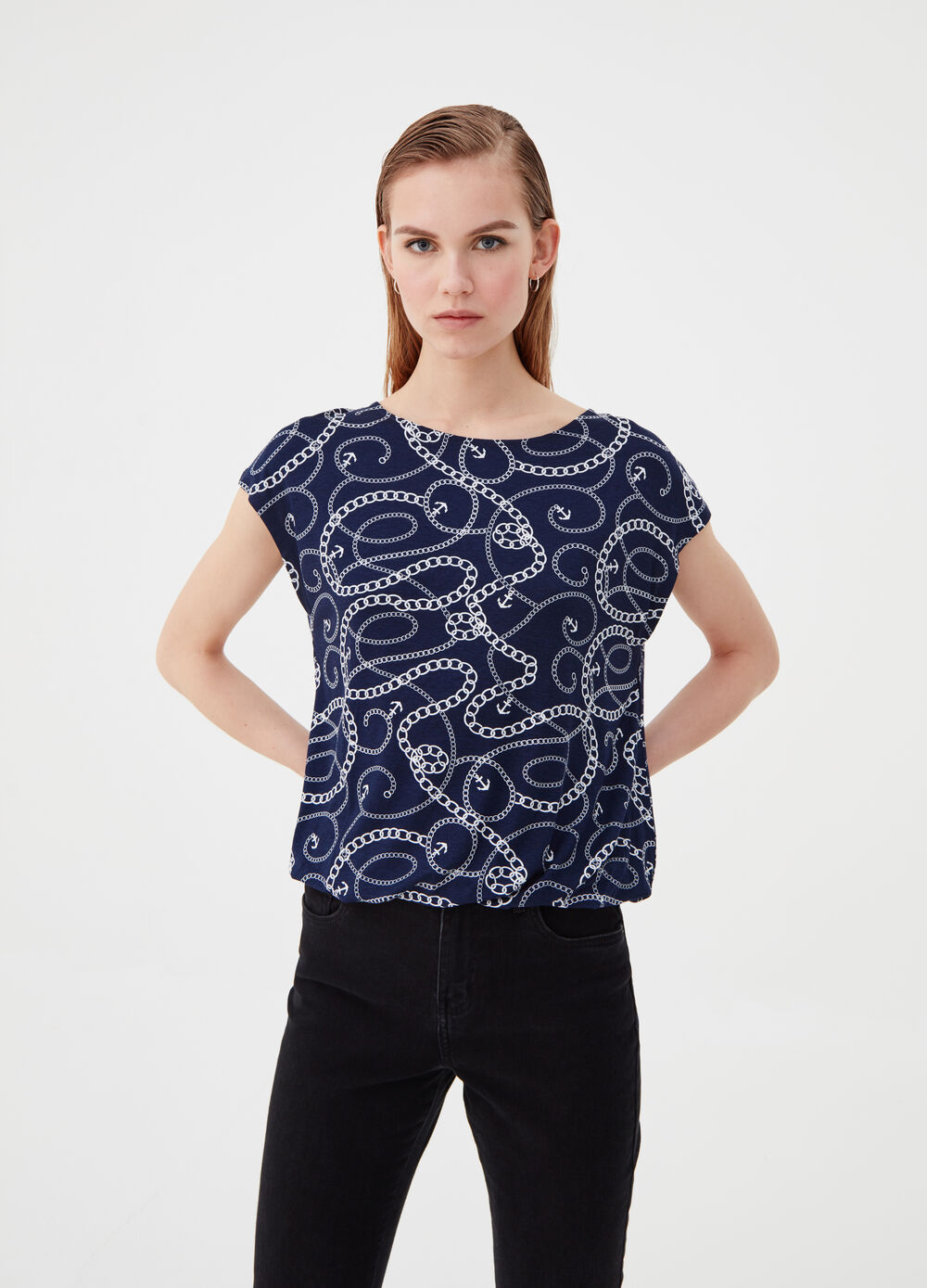 T-shirt with cap sleeves and pattern