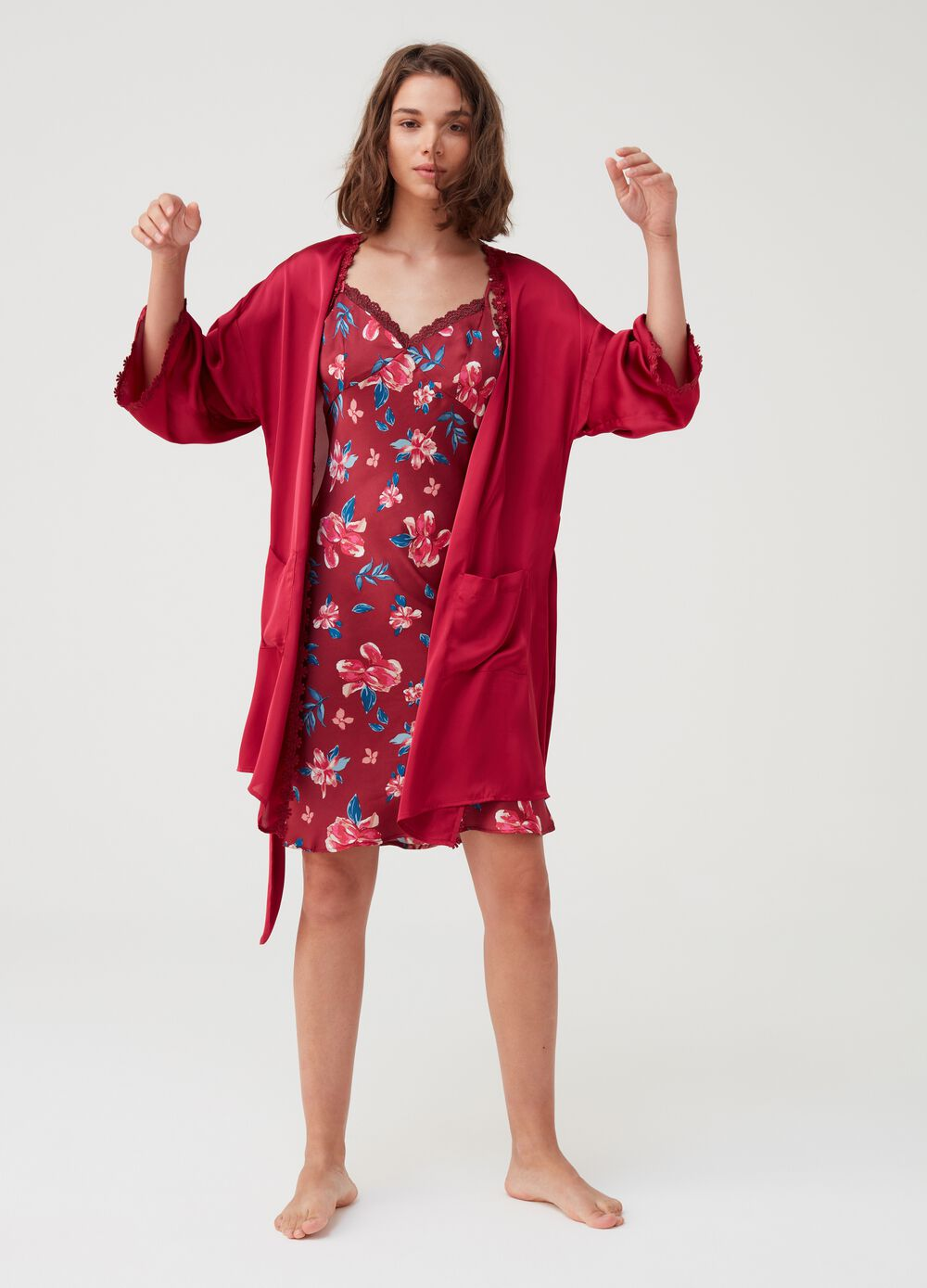 Kimono dressing gown with floral trim