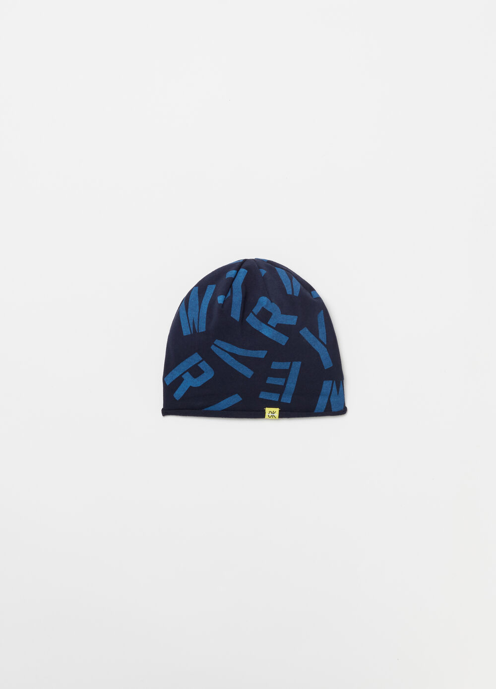 Cotton beanie cap with lettering pattern