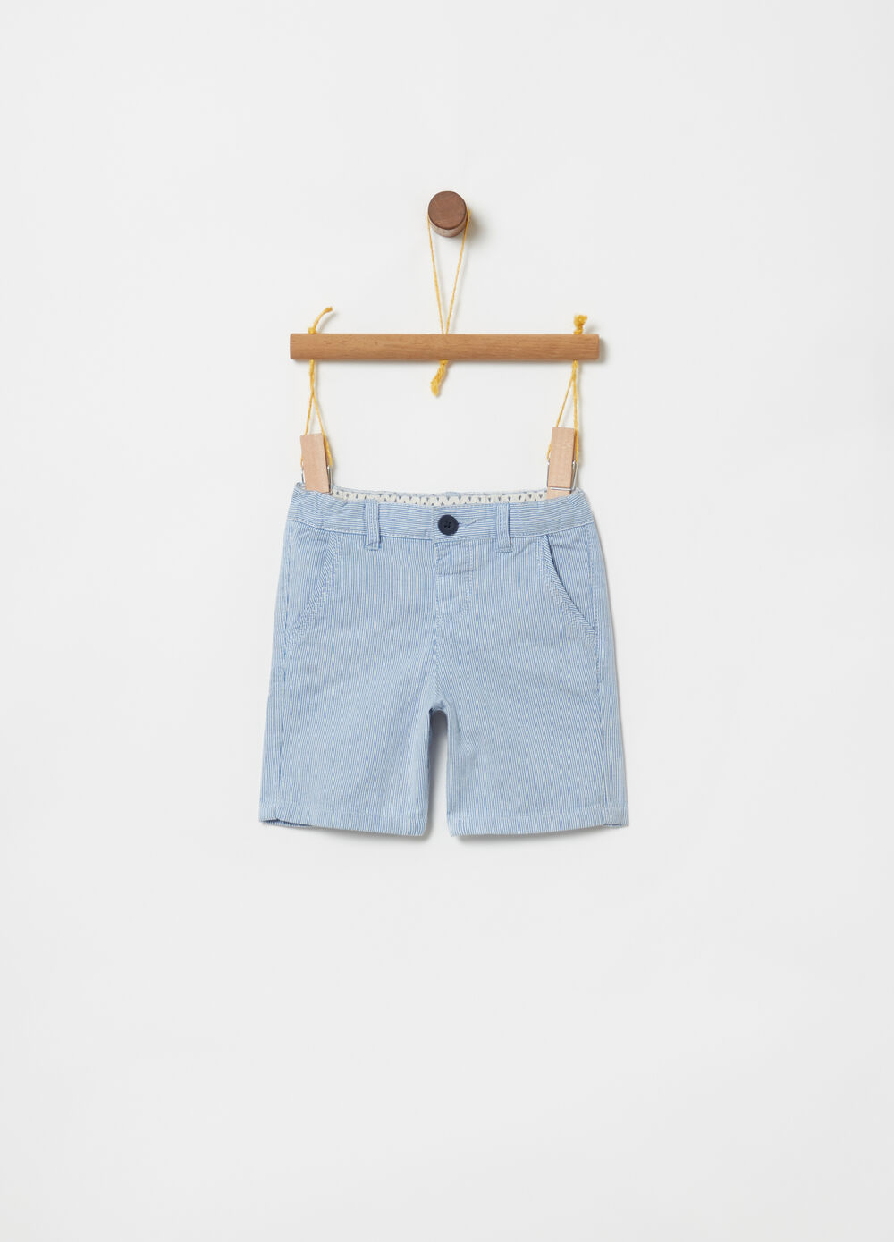 100% cotton Bermuda shorts with pockets and stripes