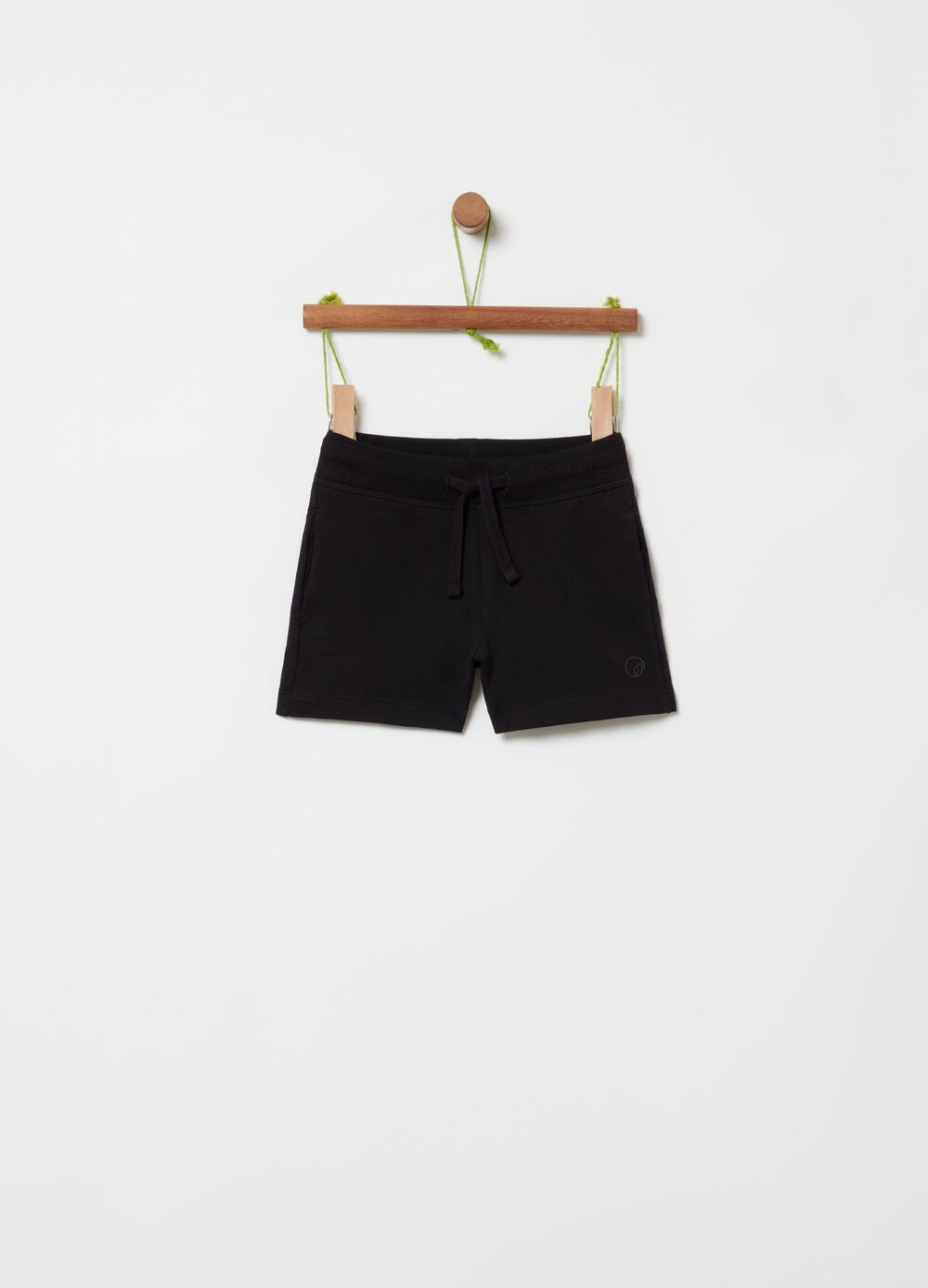 Solid colour shorts in French terry