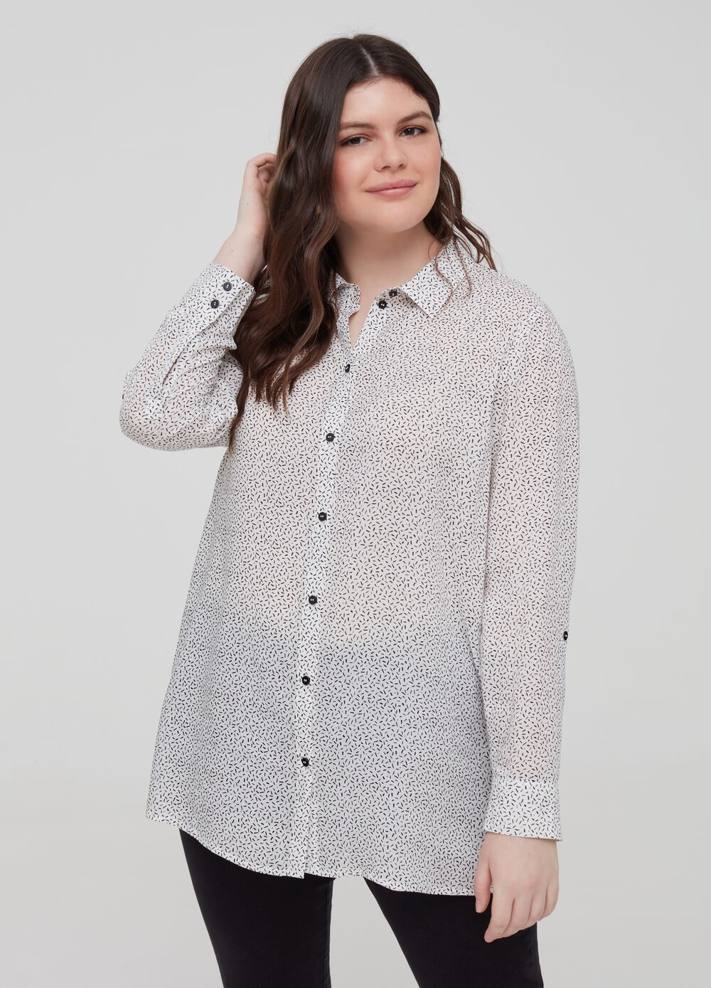 Curvy patterned shirt in 100% viscose