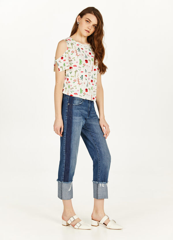 Stretch crop T-shirt with openings
