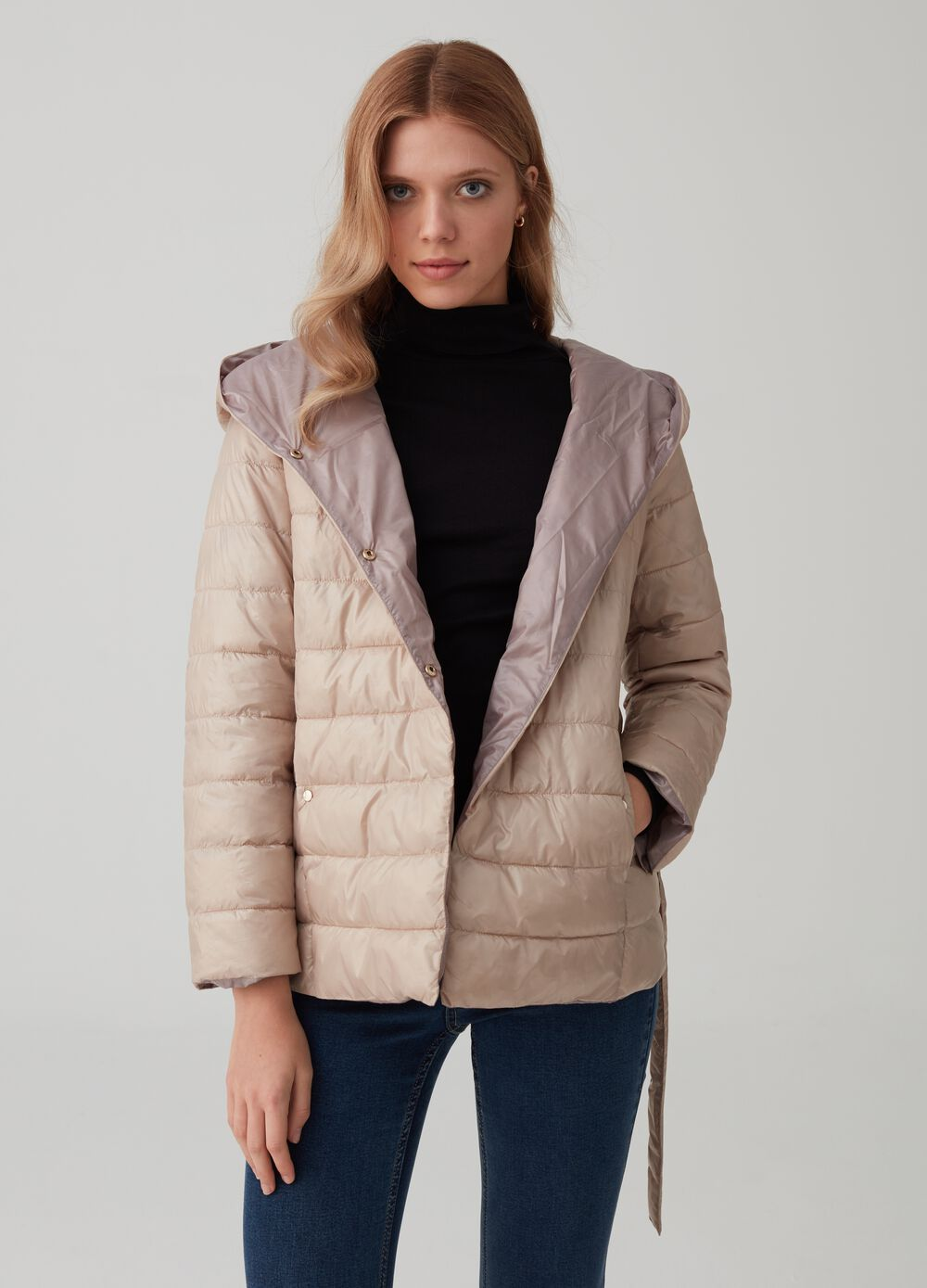 Lightweight padded and quilted down jacket