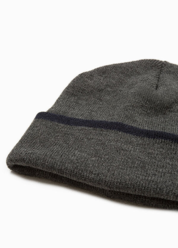 Beanie cap with trim