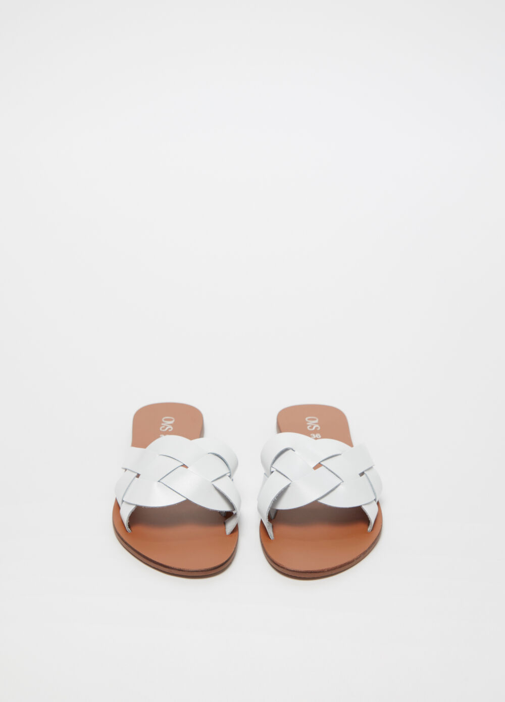 Low metallic leather sandal with crossover band