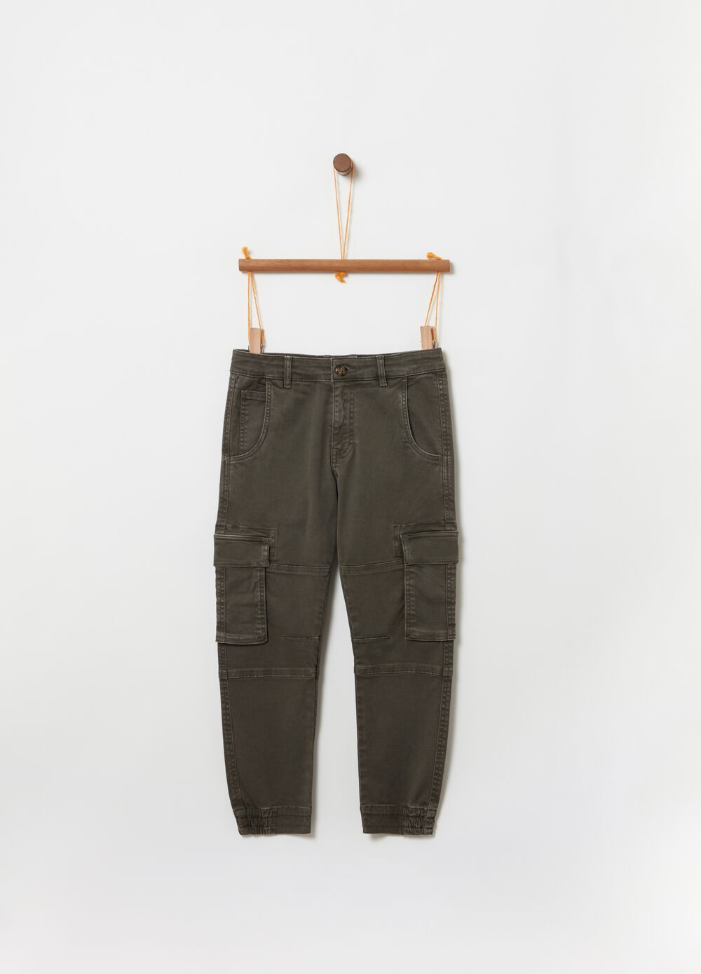Comfort-fit cargo trousers in twill