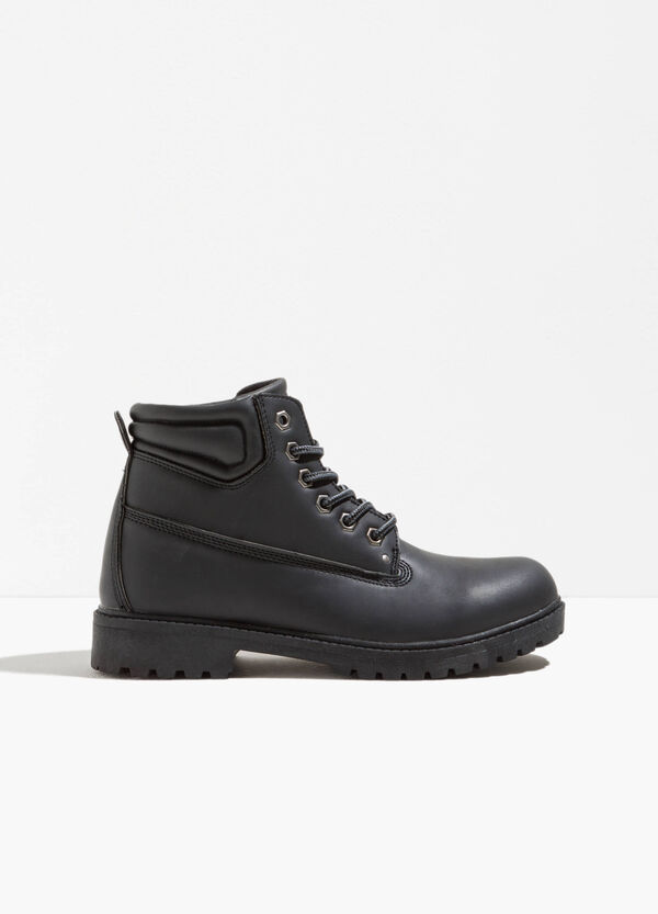Ankle boots with laces and reinforced sole | OVS