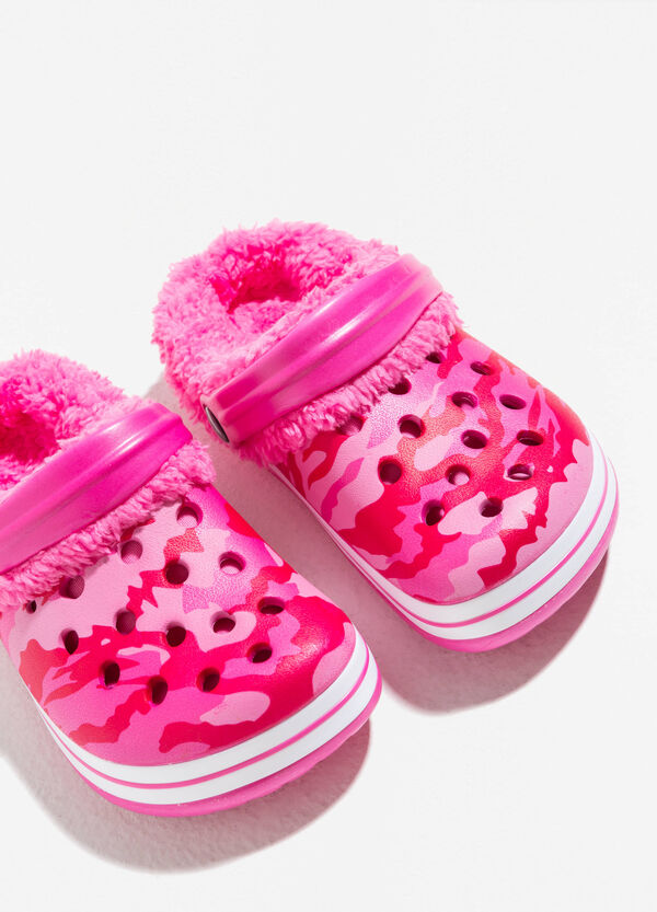 Camouflage slippers with fur | OVS
