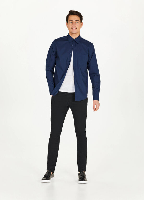 Casual solid colour classic shirt