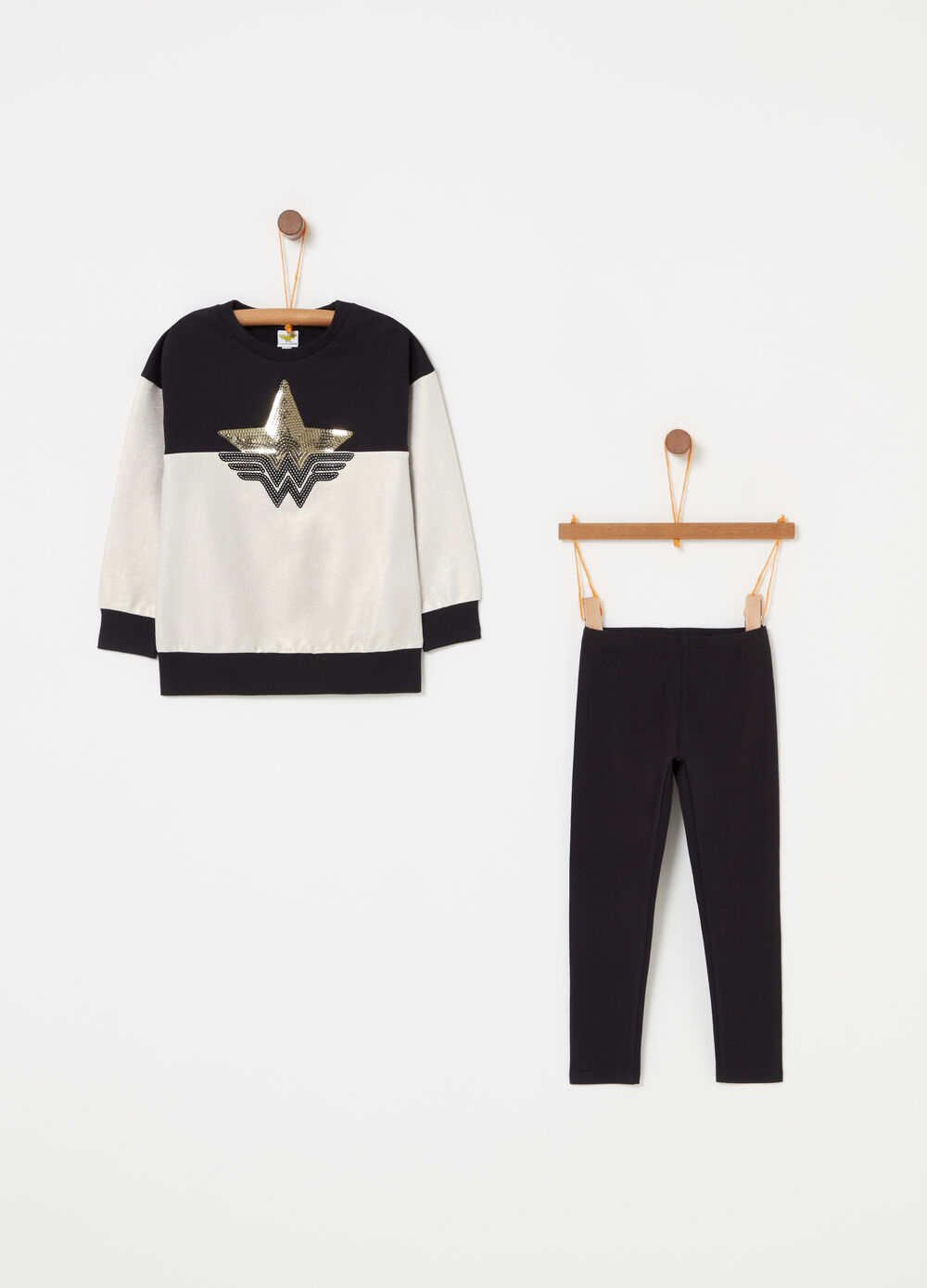 Warner Bros Wonder Woman jogging set